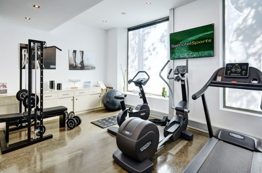 Sercotel Ámister Art Hotel has a gym for its clients. ...